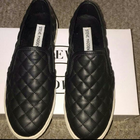 148fc0d31e6 Ecentrcq black quilted slip ons. M 5a7b49249cc7efcbf9be7658